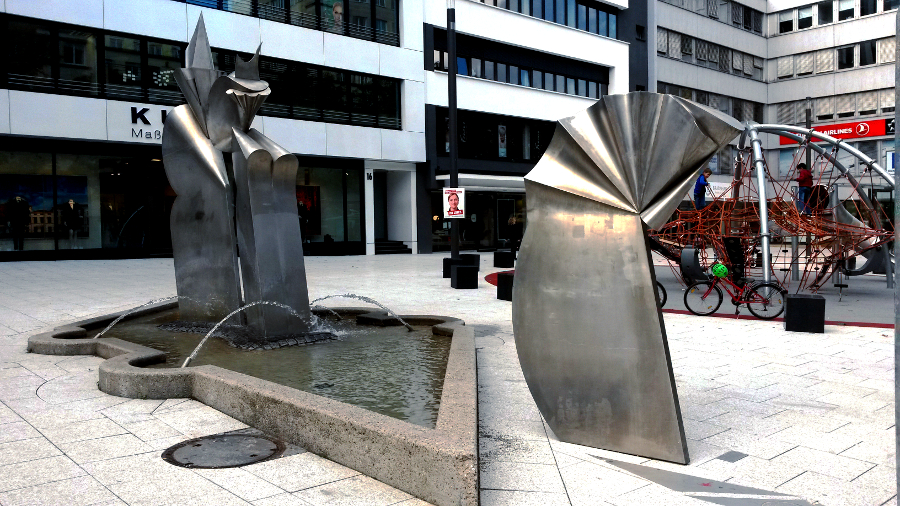 Der Narrenbrunnen en Stuttgart-Mitte